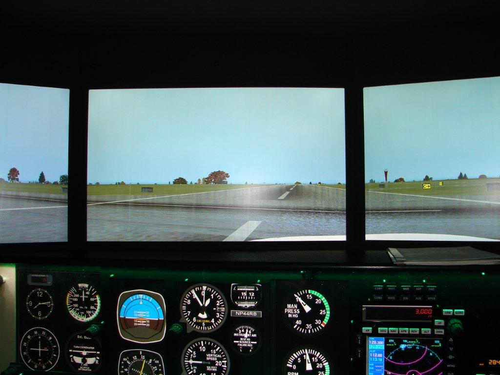 BFC Redbird FMX Flight Simulator - Full Motion Flight Sim